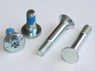Nuts and bolts with plastic thread. We adapt to your needs with the best service and quality.